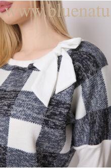 Masnival díszített kötött ruha - LETTI - Kockás