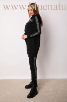 Kapucnis oldalt zsebes sportos szett - ELMA - Kockás/fekete